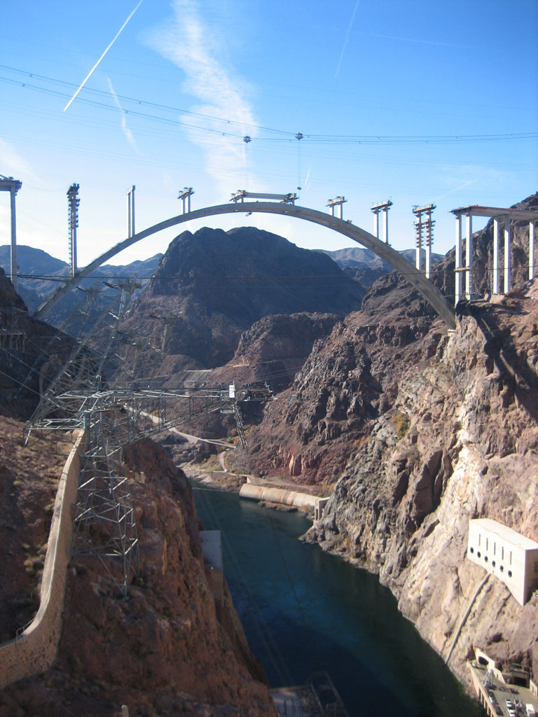 the importance of the construction of the hoover dam Answer to what was the significance of the construction of the hoover dam and mount rushmore how did these projects affect the us economy.