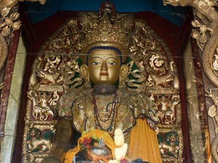 Six metre high figure of Sakyamuni, the past Buddha